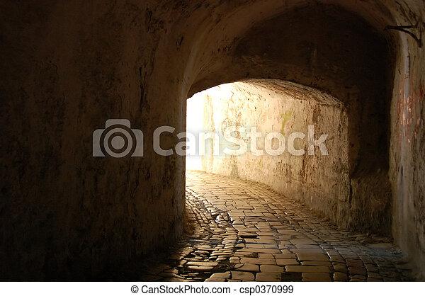 tunnel through time - csp0370999