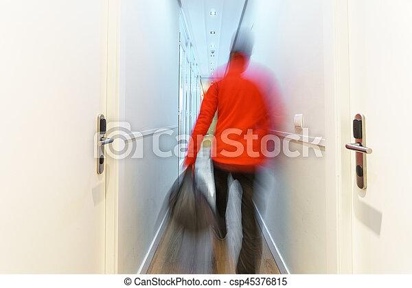 turista, albergo, lungo, sfocato, arrivare, lungo, corridoio, esposizione - csp45376815