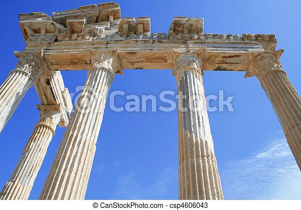 Turquía. Lado. Templo de apollo - csp4606043