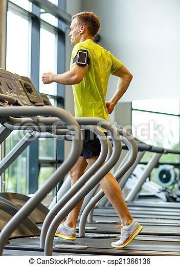 turnhalle, smartphone, trainieren, mann, tretmühle - csp21366136