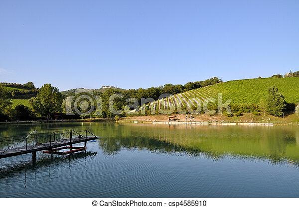 Tuscany vallechiara lago poco paese lago siena for Listino prezzi lago