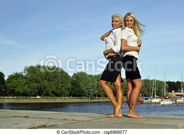 Bank girls