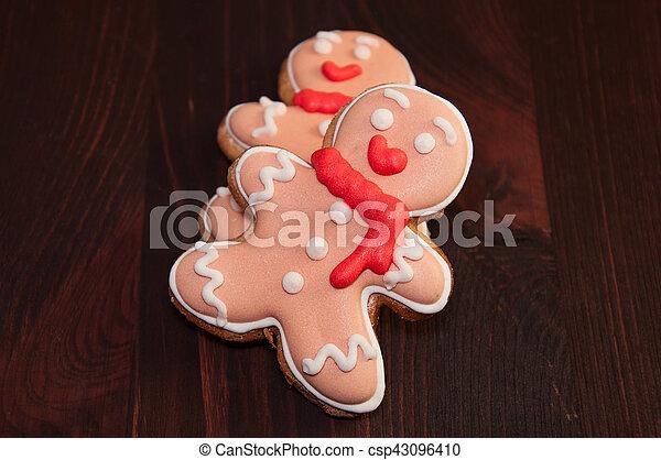 Two edible gingerbread man - csp43096410