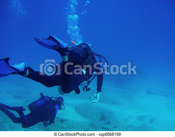 Two Scuba Divers With CopySpace - csp6868199