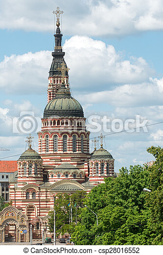 Catedral de anunciación en Kharkiv, Ucrania - csp28016552