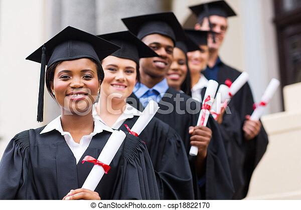 université, groupe, remise de diplomes, diplômés - csp18822170