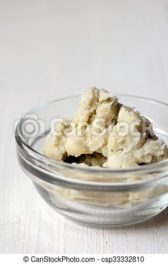 Unrefined shea butter - csp33332810