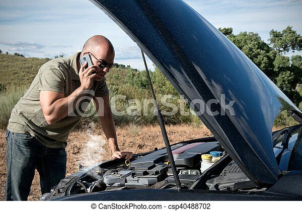 Ein kaputtes Auto - csp40488702