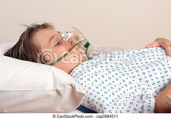 Unwell child oxygen mask - csp0984511