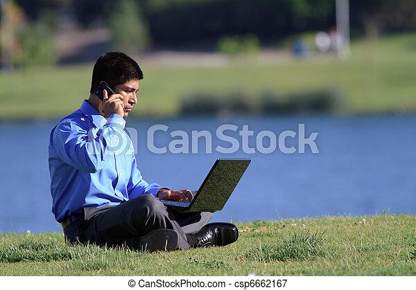 uomo affari, parco - csp6662167