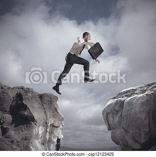 uomo affari, sopra, saltare, montagne - csp12123429