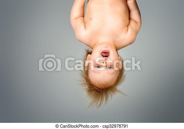 upside down - csp32978791