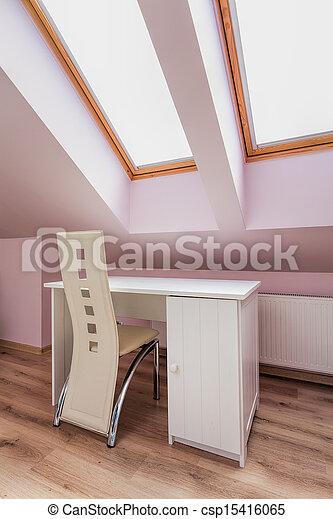 Departamento urbano, escritorio blanco - csp15416065