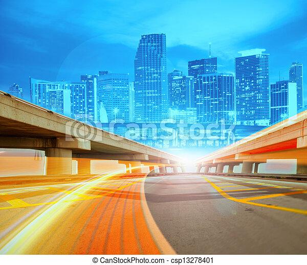 urbano, trails., colorito, luce città, astratto, moderno, centro, illustrazione, movimento, andare, velocità, autostrada - csp13278401