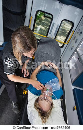 urgence médicale, soin - csp7662406