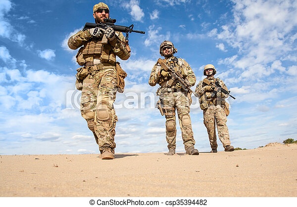 US Army Special Forces Group soldiers - csp35394482