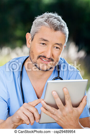 usando, enfermeira, macho, computador, tabuleta - csp29489954