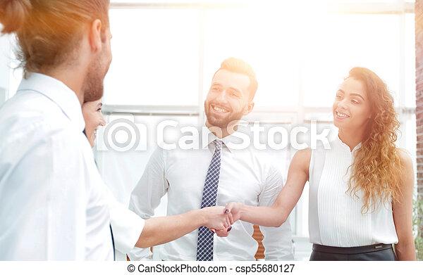 uzgodnienie, handlowy, powitać, inny, każdy, kobiety - csp55680127