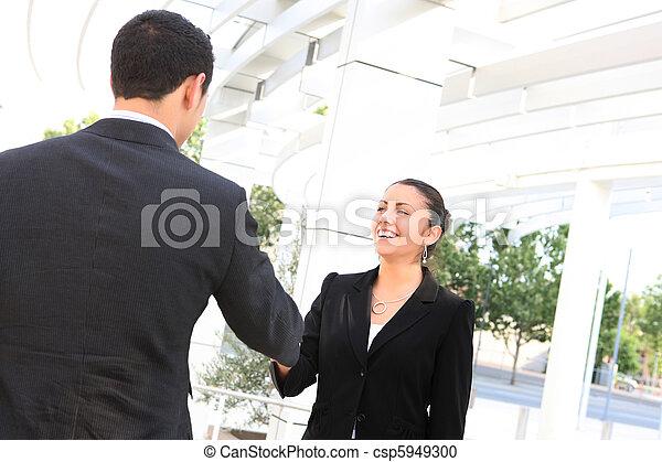 uzgodnienie, kobieta handlowa, człowiek - csp5949300