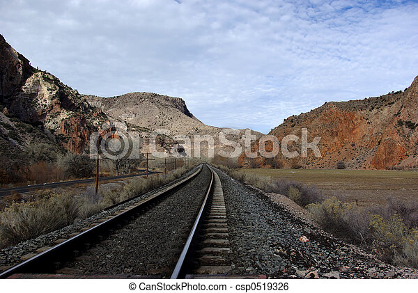 Huellas de ferrocarril - csp0519326