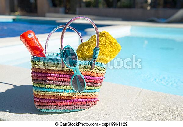 Vacation at the swimming pool - csp19961129