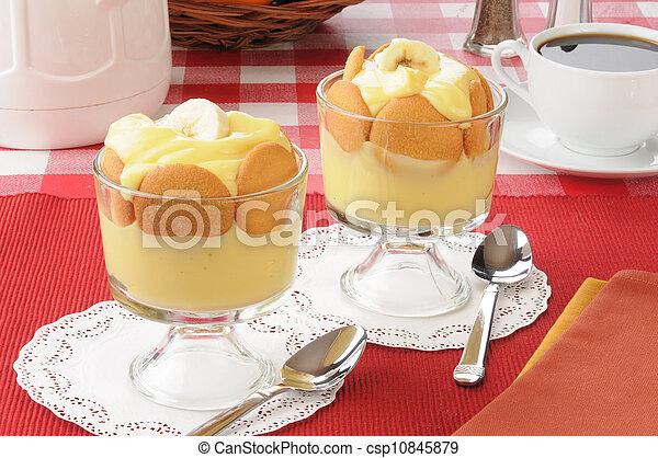 Tazas de pudín de vainilla - csp10845879