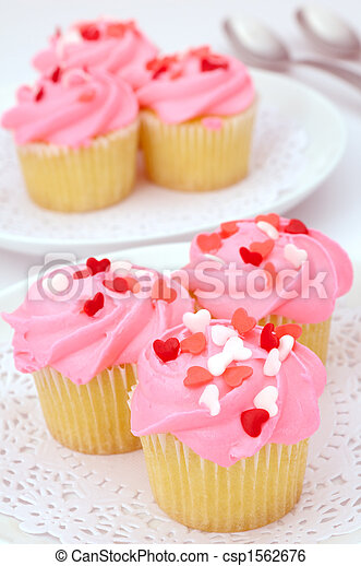 Valentine cupcakes - csp1562676