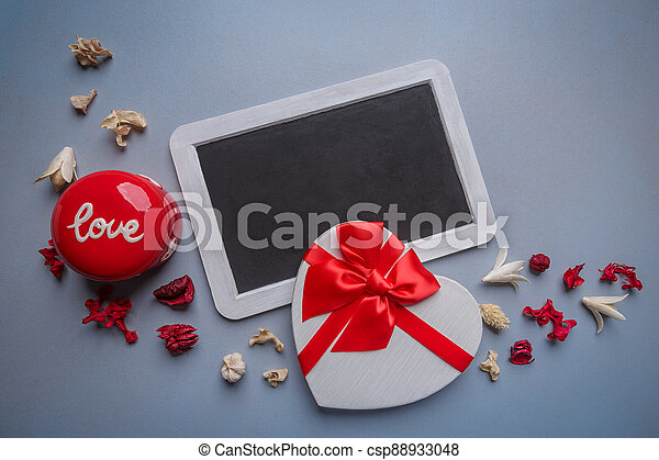 Valentines day greeting card - csp88933048
