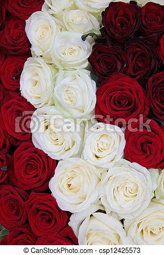 Valentino Rosa Arreglo Floral Rojo Blanco