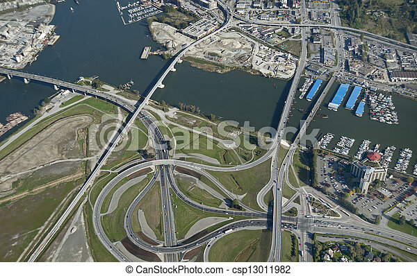 Vancouver-Richmond: Bridges, highway and roads and Fraser River - csp13011982