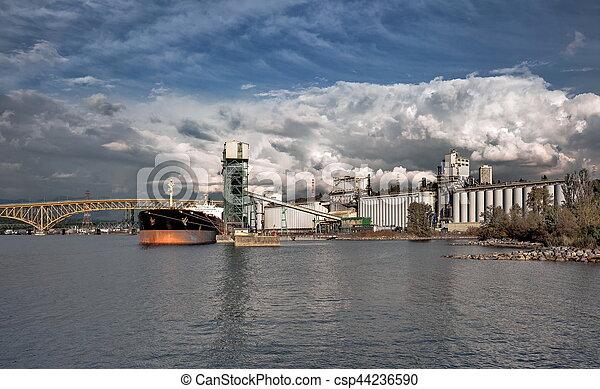 vancouver's, bateau, chargement, port, sous - csp44236590