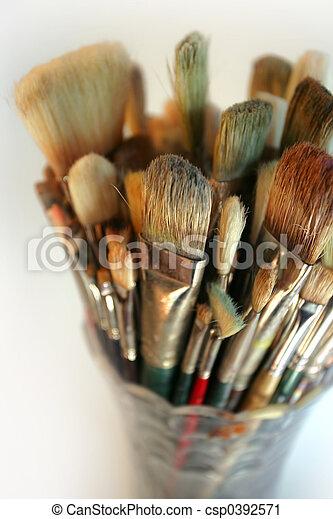 Vase of used brushes - csp0392571