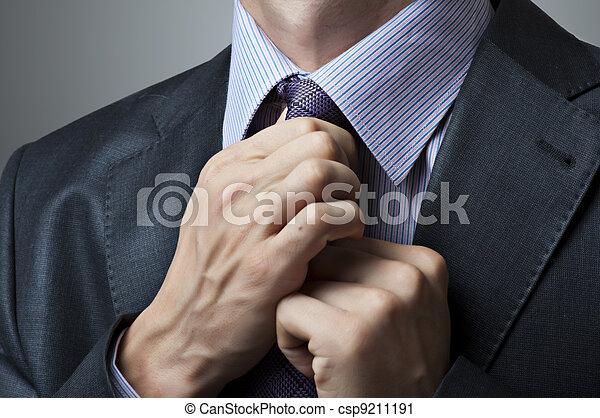 vastknopen, aanpassen, closeup, man - csp9211191