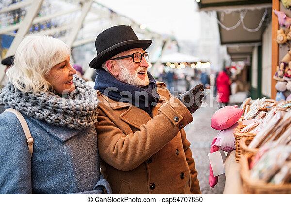 vecchio, coppia, sposato, insieme, allegro, andare fare spese - csp54707850