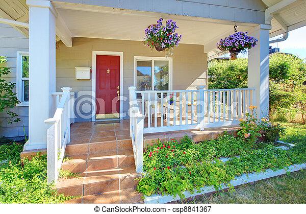 vecchio, veranda, casa, door., grigio, esterno, fronte, rosso - csp8841367