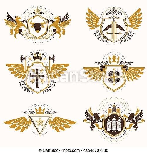 Plantas de diseño de heraldo antiguo, vectores creados con alas de pájaro, coronas, estrellas, armería e ilustraciones de animales. La colección de símbolos clásicos. - csp48707338