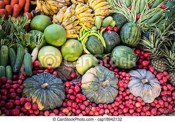 Fruta y verduras - csp18942132