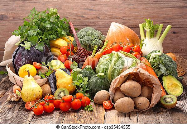 Fruta y verduras - csp35434355