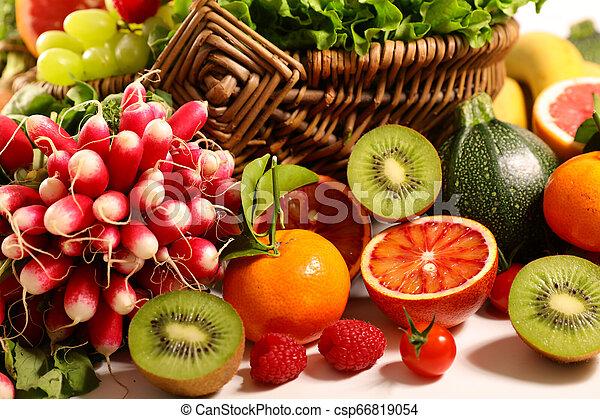 Fruta y verduras - csp66819054