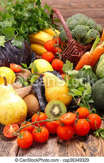 Fruta y verduras - csp36349329