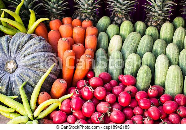 Fruta y verduras - csp18942183