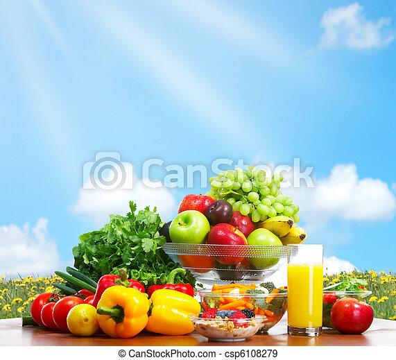 Verduras y frutas - csp6108279