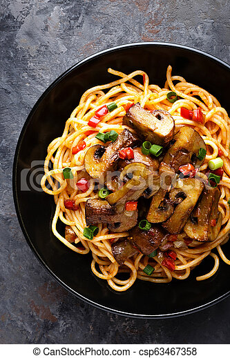 Vegetarian spaghetti bolognese with mushrooms and pepper - csp63467358