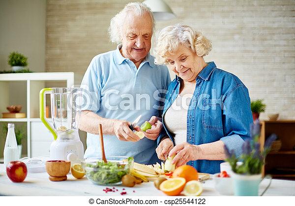 vegetarianos, sênior - csp25544122