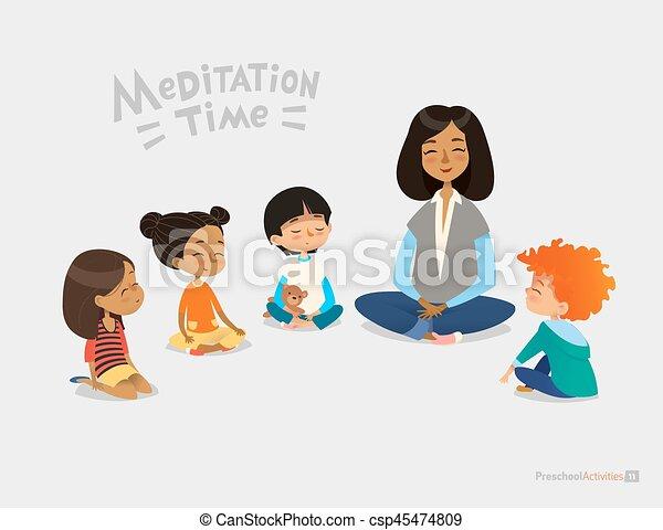 Kinder sitzen im kreis clipart  Vektor Clipart von vektor, lächeln, kinder, joga, exercise ...