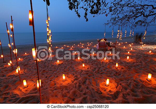 Vela cena playa rom ntico mar - Cena romantica con velas ...