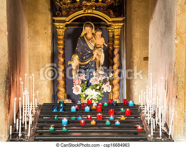 Velas en la iglesia católica - csp16684963