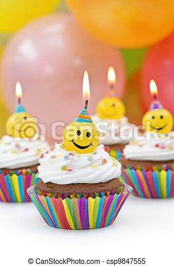 Velas de cumpleaños - csp9847555