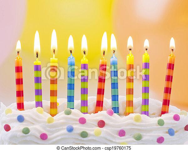 Velas de cumpleaños - csp19760175