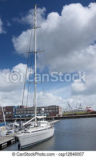Barco de vela - csp12846007